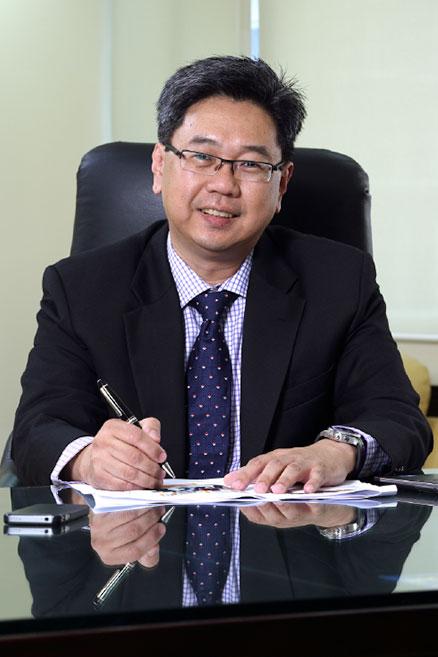 Encik Adenan Md Yusof